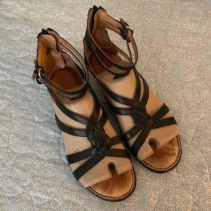 Born Harriet Black Leather Gladiator Sandals 9M